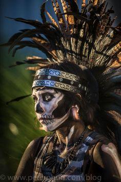 The Anunnaki Ancient Alien Origins Of The Mayan Calendar Explained Mexican Gods, Mexican Art, Fantasy Kunst, Aztec Culture, Tribal Face, Inka, Aztec Warrior, Aztec Art, Chicano Art