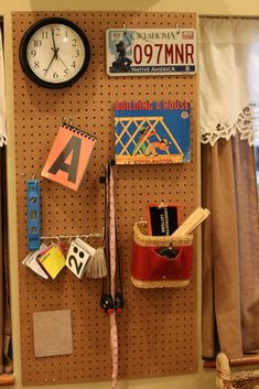 Pegboards: Brilliant Ideas for Organizing Loose Parts Preschool Reggio Emilia Classroom, Reggio Inspired Classrooms, Preschool Classroom, Classroom Ideas, Classroom Organisation, Classroom Design, Organization, Organizing, Writing Center Preschool