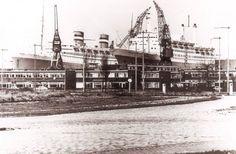 RDM-300 Holland America Line, Amsterdam, Titanic, Paris Skyline, Louvre, Ocean, Building, Hal Cruises, Cruise Ships