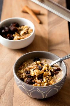 Your kids are going to love this delectable and delicious Oatmeal Cookie Overnight Oats breakfast recipe. Combine Quaker® Old Fashioned Oats with raisins, nuts, cinnamon, and banana to create this tasty treat.