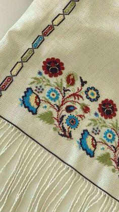 Cross Stitch Borders, Cross Stitch Art, Cross Stitch Flowers, Cross Stitch Designs, Cross Stitching, Cross Stitch Embroidery, Cross Stitch Patterns, Crochet Patterns, Diy Crafts Hacks