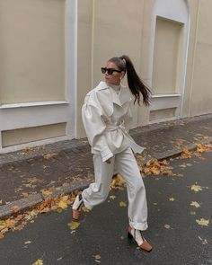 50 Ideas Winter White Outfit to Look Fresh 14 1 Runway Fashion, Girl Fashion, Fashion Looks, Fashion Outfits, Fashion Tips, Style Fashion, Ootd, Look Office, Cotton Shirt Dress