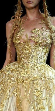 amazing gold dress #delicate