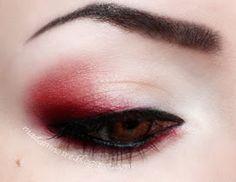 Hair makeup Madam Noire Makeup Studio: Red and black week! :D Madam Noire Makeup Studio: Rote und schwarze Woche! Goth Eye Makeup, Punk Makeup, Gothic Makeup, Grunge Makeup, Eye Makeup Art, Fantasy Makeup, Makeup Inspo, Makeup Inspiration, Pastel Goth Makeup