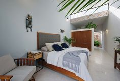 Casa Picasso: Cheerful Holiday Home in Yucatan Makes Most of Limited Space Living Area, Living Spaces, Small Terrace, House Viewing, Narrow House, Bedroom Retreat, Bedroom Bed, Master Bedroom, D House