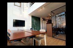 株式会社ドラフトや、新世代のオフィスや店舗などの空間デザインが見られるコミュニティサイト。
