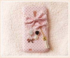 Totally in love with this ♥ http://www.etsy.com/it/listing/108398158/diy-handmade-cloth-art-phone-case-no69e