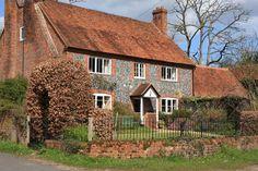 Midsomer Murders locaties: Colstrope, Buckinghamshire. Aflevering: Blood Wedding. De cottage van Peggy Benson.