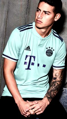 Soccer Guys, Football Boys, Soccer Players, James Rodriguez Colombia, James Rodrigues, J Names, Real Madrid Soccer, Falling In Love With Him, Ronaldo