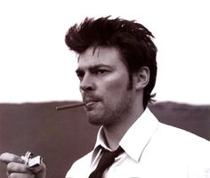 Karl Urban... Bones. // Man nailed that character.