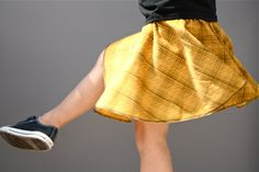 Circle skirt tutorial... Don't be surprised if you see me and Z in matching ones...