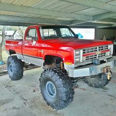 "Red lifted Chevrolet truck with Chevy ""Bow-Tie"" - Love Cars & Motorcycles Lifted Chevy Trucks, Gm Trucks, Chevrolet Trucks, Diesel Trucks, Cool Trucks, Pickup Trucks, Muddy Trucks, Chevrolet Blazer, Chevy Silverado"