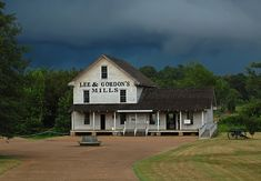LEE & GORDON'S MILL - Chattanooga area wedding Venue - (Chickamauga, GA) http://leeandgordonsmills.com/