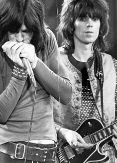 galo-71:    mick jagger & keith richards                                             the rolling stones