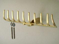 DIY Wandhaken zum Ordnen und Dekorieren Arrange and store with DIY wall hooks from rake