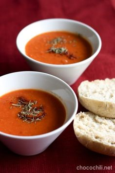 Paahdettu paprika-linssikeitto Superfood Recipes, Raw Food Recipes, Veggie Recipes, Soup Recipes, Healthy Recipes, Vegetarian Cooking, Vegetarian Recipes, Good Food, Yummy Food