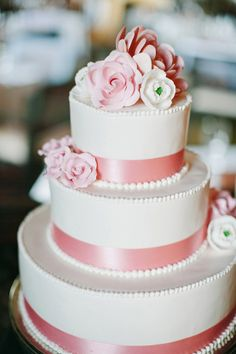 Pink Ribbon Wedding Cake   photography by http://www.brookeimages.com/