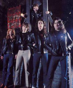 Iron Maiden - 1980 — Dave Murray, Clive Burr, Paul Di'Anno, Dennis Stratton e Steve Harris.