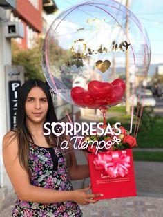 #globos #globoburbuja #tequiero #regalos #regalosoriginales #gifts #love Clear Balloons, Bubble Balloons, Valentine Baskets, Valentine Day Crafts, Candy Bouquet, Balloon Bouquet, Balloon Centerpieces, Balloon Decorations, Ballons Saint Valentin