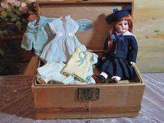 Fresh From Paris! Adorable 28 cm Bleuette and Her Trunk Of Clothes