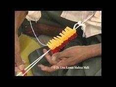 DIY Gajra / Veni / Flower Garland for Indian Wedding Flower Garlands, Diy Flowers, Fresh Flowers, Indian Flowers, Kolam Designs, New Hair, Garden Tools, Flower Jewelry, Traditional