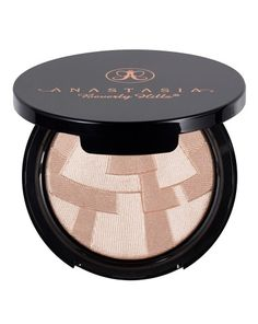 Anastasia Beverly Hills - So Hollywood Illuminator is such a stunning highlighter! I'm so glad its in my collection