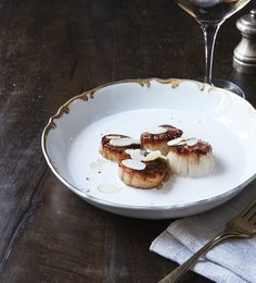 Patrick Tingaud is the in-house chef at Moët & Chandon in Épernay. This easy-to-cook scallop dish is typical of his recipes, which require only a few ingredients. Magazine Recipe, Scallop Dishes, Wine Enthusiast Magazine, Few Ingredients, Scallops, Fish And Seafood, Almond Milk, Cooking, Breakfast