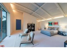 Awesome modern bedroom. Pacific Palisades, CA $19,800,000