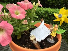 Een heuse sprookjestuin met elfjes van My Fairy Garden waar mijn meiden hun fantasie volop kunnen laten gaan met de aankleding voor het huisje van Lily.