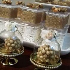 Mini cúpulas  um sonho! #festaluxo #scrap #aniversario #noiva #noivado #casamento #festanoivado #decoração #aniversarioadulto #80anosdavovó