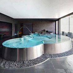de la baignoire sur pinterest baignoires salle de bain et douche de - Salle De Bain De Luxe Avec Jacuzzi