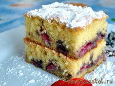 Сочный фруктовый пирог  Если вы любите сочные фруктовые пироги, то этот фантастический рецепт для Вас. Я делаю этот пирог по 2 раза в неделю с разными фруктами, свежими и замороженными. Очень вкусно и красиво получается со свежей сливой. Можно приготовить из замороженной клубники или малины. Все подойдет для этого пирога. И готовится быстро, легко и просто.