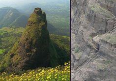 Kalavantin Durg in Maharashtra in India. Dit verlaten fort ligt op 40km ten oosten van Mumbai.