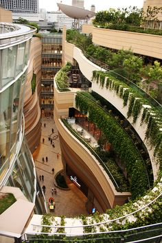 Namba Parks is a shopping complex located in Osaka, Japan. Consists of a 30-storey office tower called Parks Tower and a 120-tenant shopping mall. The building is mostly focused on bring a little green into the concrete and metal city.