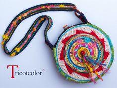 Sac rond en laine et coton crocheté à la main