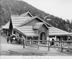 Simla View - White Woman in Palanquin; White Man, and Several Natives Outside Shop on Mall - Samuel Bourne 1868 - Old Indian Photos