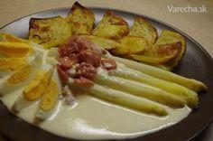 Biela špargľa so syrovou omáčkou, šunkou a maslom (fotorecept) Baked Potato, French Toast, Potatoes, Cheese, Vegan, Baking, Breakfast, Ethnic Recipes, Food