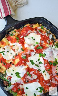 Easy Cheesy Skillet Lasagna by lifetastesgood: Made all in one pan this is much easier than a traditional lasagna #Lasagna #One_Pan #Easy