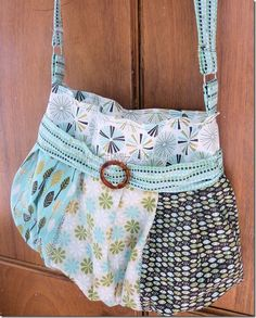 Flouncy Bag - Free Sewing Tutorial by Crafty Cousins