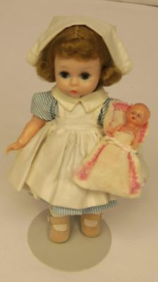 "Vintage 1962 Madame Alexander Kin WENDY NURSE w Baby #363 Bent Knee 8"" Dolll BKW Vintage Nurse, Vintage Girls, Nurse Cape, Nursing Uniforms, Vintage Madame Alexander Dolls, Doll Wigs, New Dolls, Dollhouse Dolls, Hello Dolly"