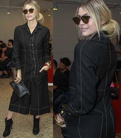 """Julia Faria faz pose na SPFW: """"Amo as saias longas com jaquetão. A moda é uma loucura"""" (Foto: Ag News)"""