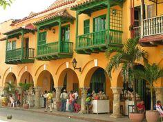 Portal de los Dulces, Plaza de los Coches, Cartagena, Colombia.
