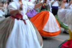 #Valencia #traditions #dances #Ontinyent Local Festivals, Valencia, Tulle, Traditional, Skirts, Fashion, Moda, Fashion Styles, Skirt