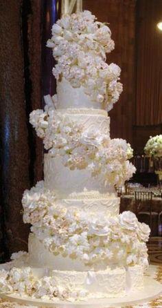 """Свадебный торт """"Белый каскад"""""""