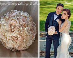 Bouquet de bodas encargo de rosa y oro por Elegantweddingdecor