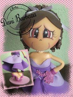 Boneca debutante para decoração e topo de bolo. Faço personalizada. R$ 40,00