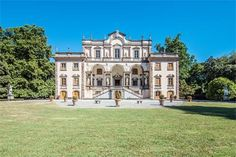Luxury Single Family Home Property in LuccaLucca | Luxury historic Mansion in Lucca | Milan Sotheby