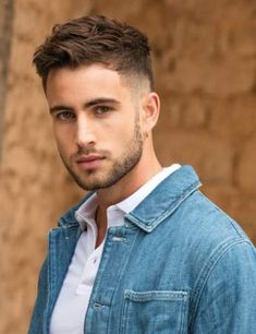 Men's haircut, the trends of 2020 Short Hair For Boys, Short Hair Cuts, Short Fade Haircut, Short Hair Styles, Textured Haircut, Haircut Men, Boys Long Hairstyles, Mens Hairstyles Fade, Hairstyle Men