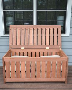 FREE plans for making a DIY outdoor storage box for outdoor cushions! Plus, it doubles as an outdoor bench seat and serving surface. Indoor Storage Bench, Outdoor Storage Boxes, Diy Bench Seat, Toy Storage Baskets, Outside Storage, Barn Storage, Storage Ideas, Storage Benches, Kitchen Storage