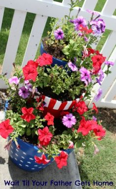 Star Spangled Planter via Wait Til Your Father Gets Home #gardening #outdoors #DIY #homeprojects